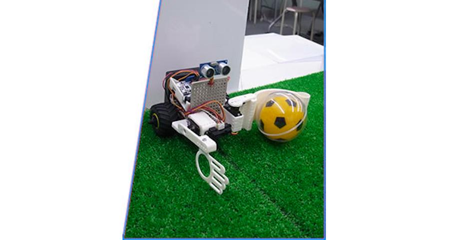3Dプリントとプログラミングでロボットを開発!